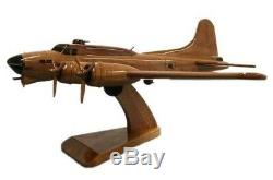 B-17 Flying Fortress Bomber Amercan WW2 Military Aircraft Wooden Desktop Model
