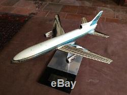 Desktop model aircraft 1/200 Scale Lockheed L1011 1968 Rolan Promotional Piece