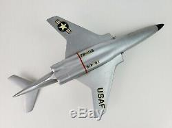 Topping Precise F-101 Voodoo USAF desk top model McDonell Douglas -No Stand